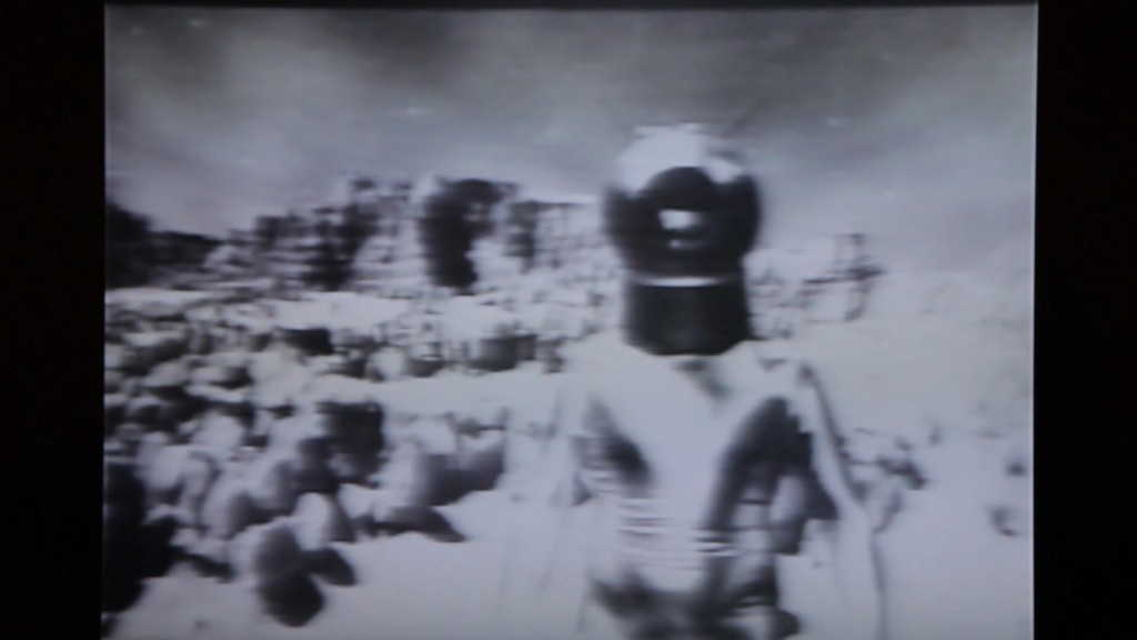 Space Helmet video loop 2